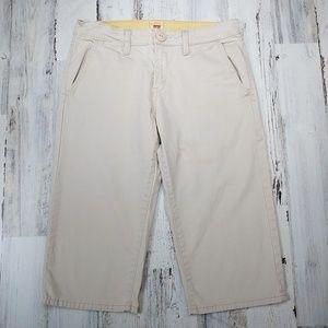 """🌿Levi's Khaki Capri Pants Size 6 x 17"""" Inseam"""